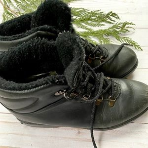 Vintage Cougar leather winter boots